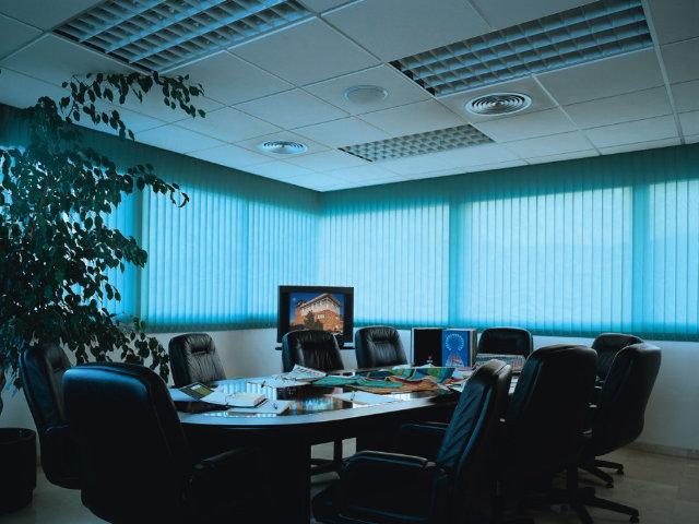 Persiana para sala de reunião
