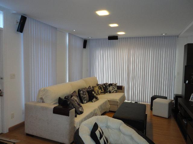 Persiana vertical sala de tv