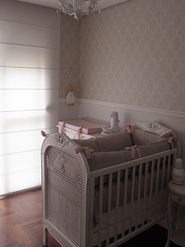 cortina-romana-para-quarto-de-bebê